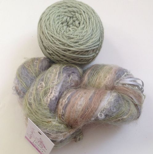 Magicball cowl - Pebble beach with sage green solid